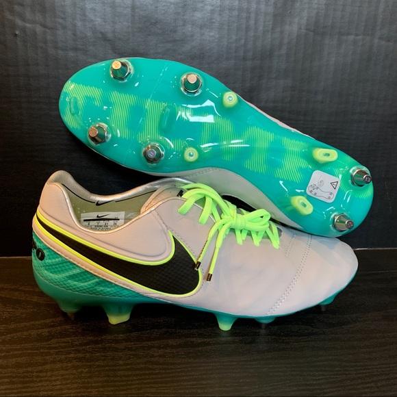 hot sale online 67fc0 08580 Nike Tiempo Legend VI SG-Pro Soccer Cleats NWT